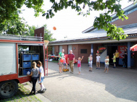 Das Spielmobil mit Basketballstation