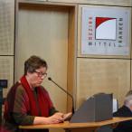 Gisela Niclas, Vorsitzende der SPD-Bezirkstagsfraktion, nimmt Stellung zum Bezirkshaushalt; Foto: Carina Knoll, Bezirk Mittelfranken.